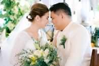 Bild könnte enthalten: 1 Person, Hochzeit und im Freien